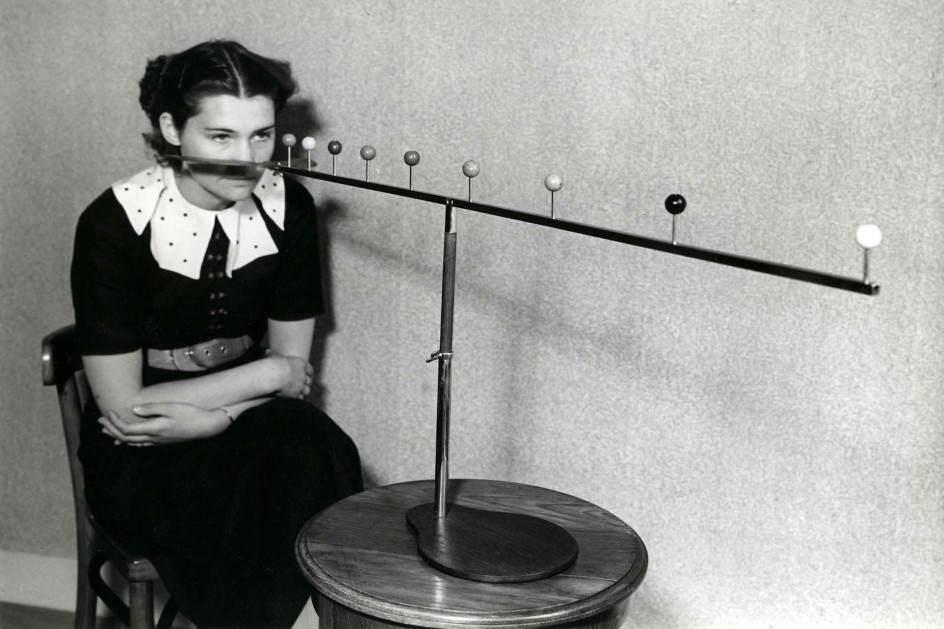 Упражнение для улучшения зрения, 1937  10.jpg National Archives / Collection Spaarnestad / Het Leven